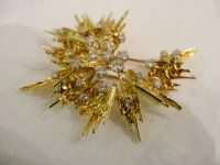 GEORG WEIL 18ct GOLD AND DIAMOND BROOCH