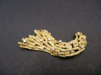 ANDREW GRIMA 18CT GOLD/DAMOND BROOCH 1965