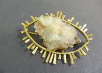 JACQUELINE MINA GOLD,AGATE AND DIAMND BROOCH,SIGNED
