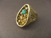 18ct GOLD RING BY PETER HAUFFE,SIGNED