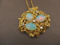 BRITISH OPAL 18ct GOLD PENDANT 70s