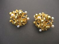 GILBERT ALBERT GOLD AND PEARL CLIP EARINGS