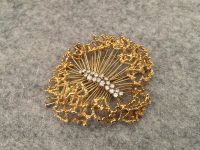DAVID THOMAS GOLD AND DIAMOND BROOCH ,SIGNED